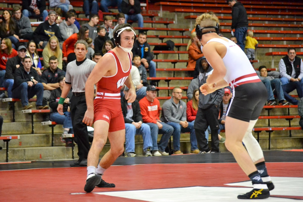Red tops White in intrasquad dual